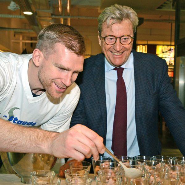 Fußballweltmeister Trifft Sternekoch Per Mertesacker Stiftung